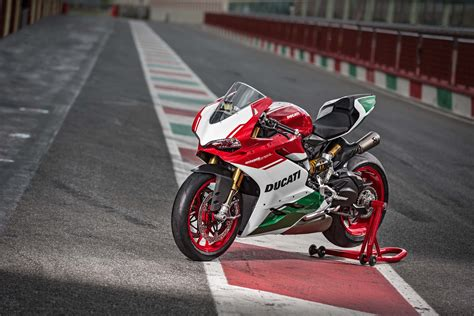 Ducati 4k Wallpapers by Wallpaper Ducati 1299 Panigale R Edition 4k 2017