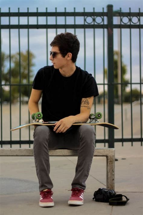 50 Unique Skater Boy Hair Styles Outfits and Looks - Skateboarder