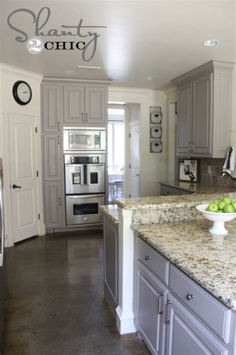 pictures of kitchen cabinets painted gray choosing my battles and a paint color shanty 2 chic