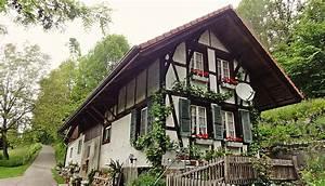 Altes Haus In Portugal Kaufen : altes haus am weg foto bild natur ~ Lizthompson.info Haus und Dekorationen