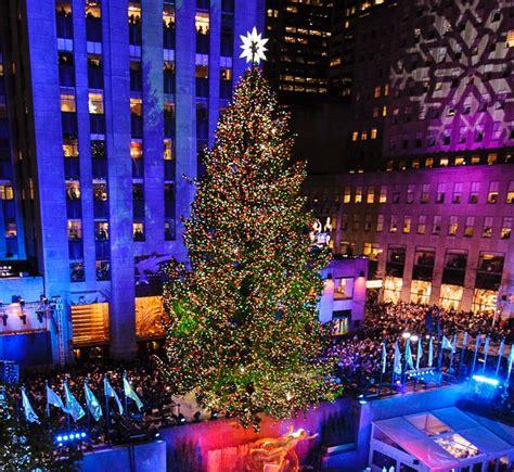 nyc christmas tree lighting 2017 80th annual rockefeller center christmas tree lighting