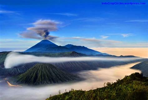 gunung  angker  indonesia mysterious