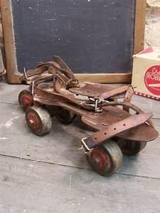 Patin A Roulette Vintage : ancienne paire de patins roulettes patins roulettes ~ Dailycaller-alerts.com Idées de Décoration