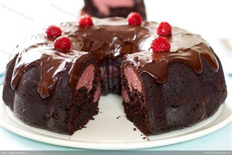 chocolate bundt cake cream cheese filling