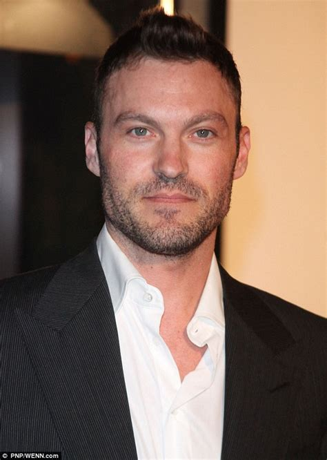 brian austin green age weight height measurements