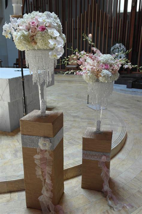 chandelier wedding centrepieces 1000 ideas about chandelier centerpiece on