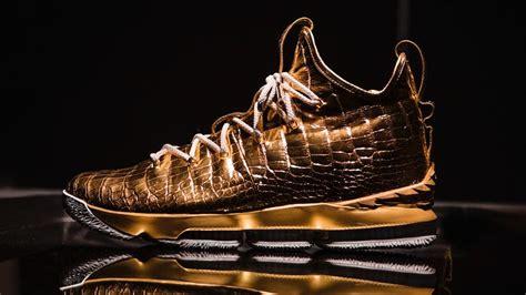 lebron james  gold  diamond shoes  passing