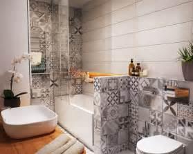 idee pose carrelage mural salle de bain wordmark