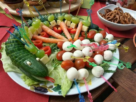 Gurkenschlange Im Gemüsebeet  Gemüsebeet, Gemüse Und Schöner