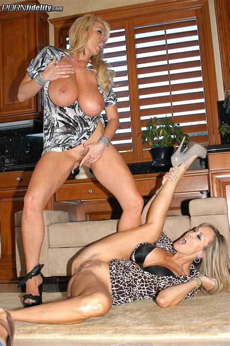 Sexy Booty Babes Brandi Love And Kelly Medison Milf Fox