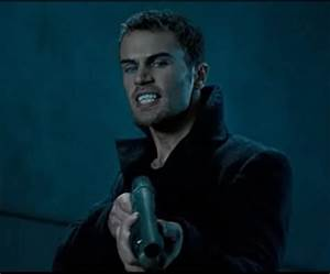 David.png (708×586) | Theo James | Pinterest | David ...
