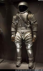 Retro Sci Fi Space Suit - More information - wypadki24.info