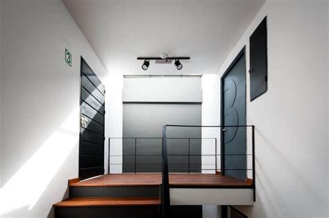 departamento de tres pisos  fachada moderna