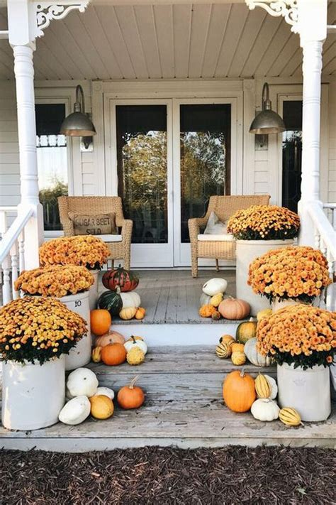 Decorating Ideas For Fall Outside by 55 Fall Porch Decorating Ideas Outdoor Fall Decor
