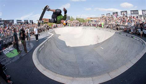 siege sandro bowl battle between bucky and pedro in finals dew tour