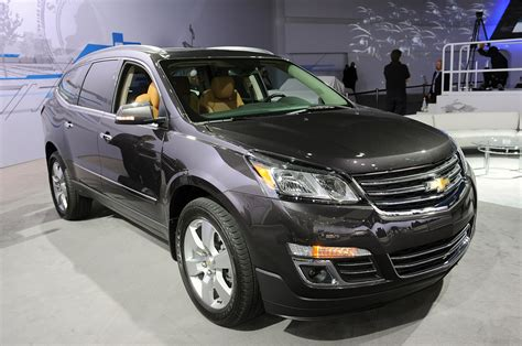 2013 Chevrolet Traverse by 2013 Chevrolet Traverse Loses The Family Nose Autoblog