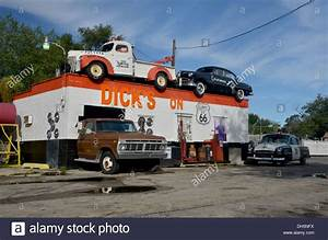 Garage Route 66 : dick 39 s on 66 old cars at a garage in joliet on route 66 in illinois stock photo royalty free ~ Medecine-chirurgie-esthetiques.com Avis de Voitures