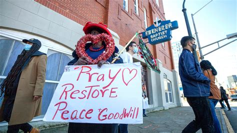 MLK Day Service Calls for Nonviolence Amid Turbulent Times ...