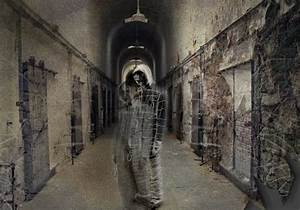 26 Staggering Scary Ghost Pictures | CreativeFan