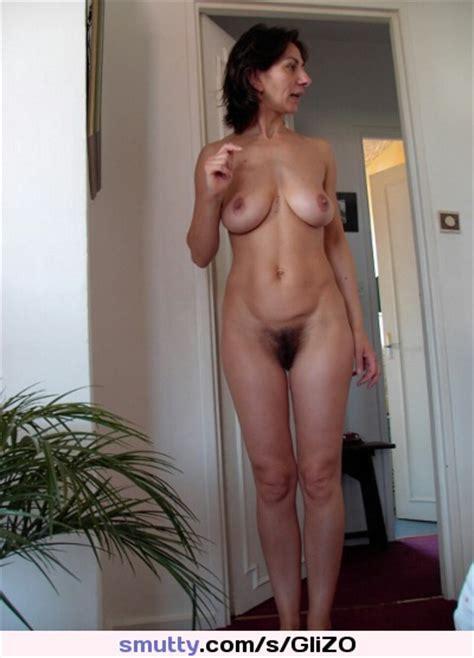 Cute Nude Amateur Mom Milf