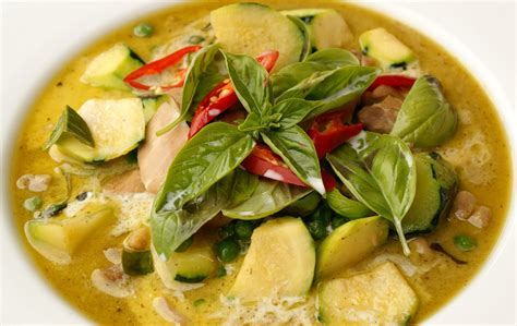 green curry recipe recipes easy thai food green curry chicken kaeng keaw waan kai