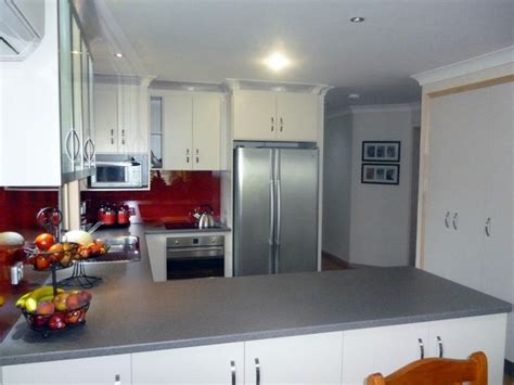 Laminex Kitchen Ideas - bright glass kitchen splashbacks