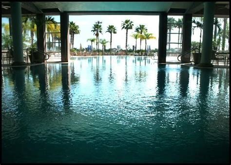Indoor / Outdoor Pool.. Fountains.. Orlando