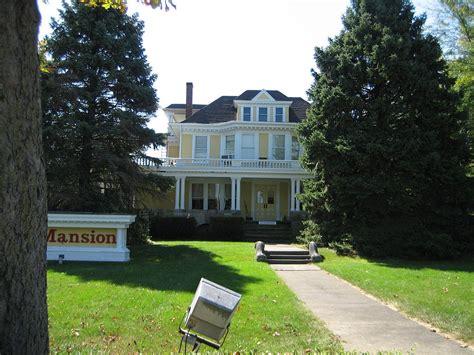 John R. Oughton House