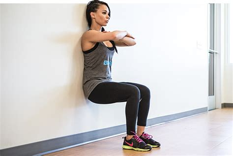 sitting wall 6 benefits of the wall sit exercise trainer