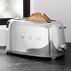 Toaster Retro Design : smeg silver 4 slice retro toaster reviews crate and barrel ~ Frokenaadalensverden.com Haus und Dekorationen