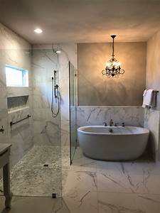 Marble, Master, Bathroom, With, Curbless, Shower, Freestanding
