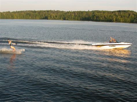 Non Motorized Boats by Complimentary Boats And Water Activites Pehrson Lodge