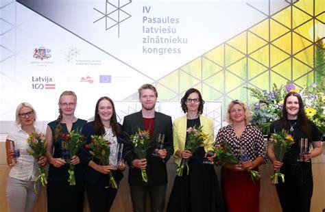 Jaunie zinātnieki Pasaules latviešu zinātnieku kongresa pasākumā «ResearchSlam» demonstrē runas ...