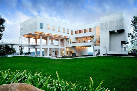 Luxurious Open Air Home Built For Two by 10 Stunning Modern Mansions For Sale In La Zillow Porchlight
