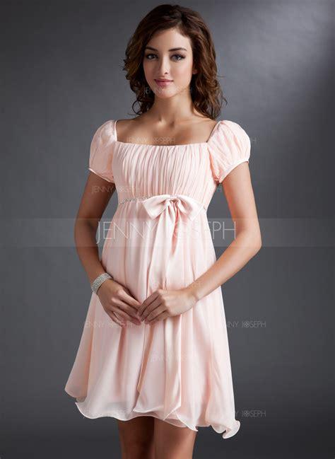 femmes de chambres pour choisir une robe robe de soiree courte style empire
