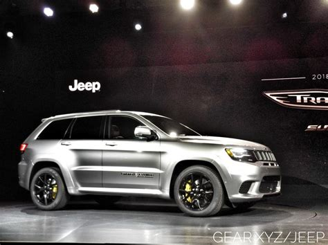 trackhawk jeep srt 2018 jeep grand cherokee srt trackhawk suv hits 180 mph on