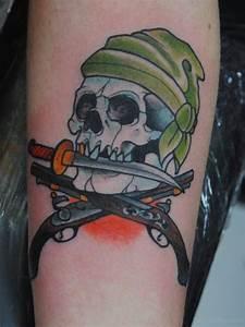 14+ Traditional Pirate Skull Tattoos