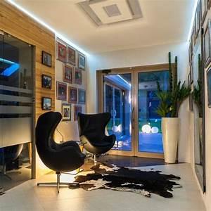 l eclairage indirect a la maison 27 idees design harmonieux With tapis peau de vache avec canapé design avec led