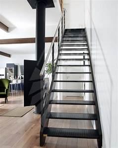 Décoration D Escalier Intérieur : photo dt38 esca 39 droit escalier m tallique d 39 int rieur design pour une d coration de style ~ Nature-et-papiers.com Idées de Décoration