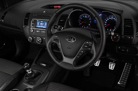 kia cerato koup turbo interior
