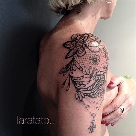Tatouage épaule Femme Fleur  Modèles Et Exemples