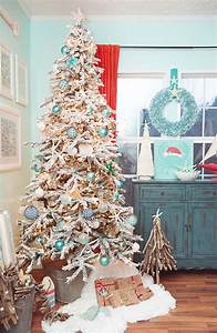 Stylish, New, Ways, To, Decorate, Your, Christmas, Tree