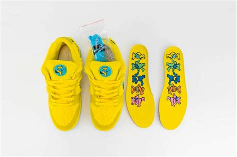 grateful dead nike sb dunk yellowgreen bear