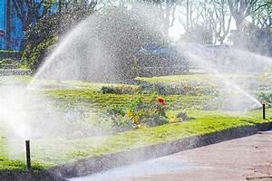 Arrosage Automatique Pelouse : l arrosage automatique de la pelouse ~ Melissatoandfro.com Idées de Décoration