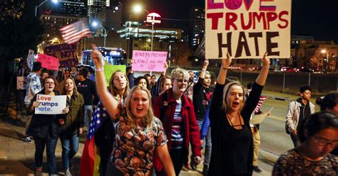 What does the 'resist' movement want?
