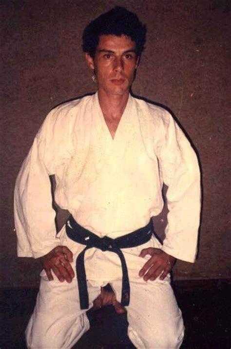 dandee empresas eventos e publicidade aulas de karate professor pepi karatê do karatê