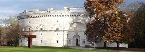 Inglstod ˈʔɪŋl̩ʃtɔːd or ingoistod, latin: Bavarian fortress of Ingolstadt   City, country, culture in Bavaria