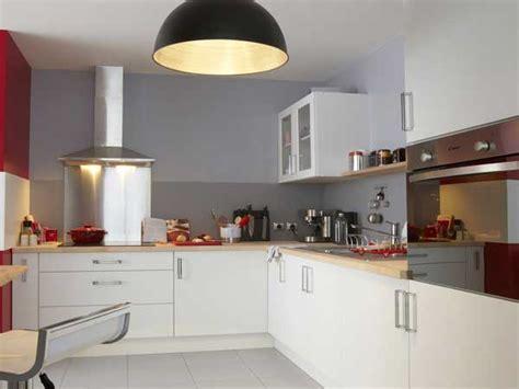 peinture pour cuisine leroy merlin peinture pour cuisine 6 finition chrom233e brillant pour cette cuisine blanche leroy