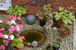 8 unique garden decor ideas ebay for Unique garden ideas decorating