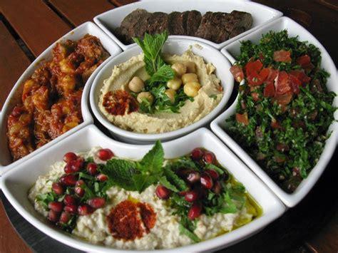 cuisine libanaise mezze tout ce qu il faut savoir sur le mézzés cuisine libanaise
